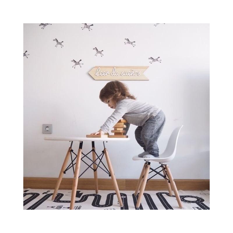 Conjunto de silla y mesa para ni os mini eames style for Sillas eames para ninos